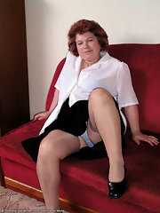 happy matures - mature tgp - free upskirt thumbnailed galleries!